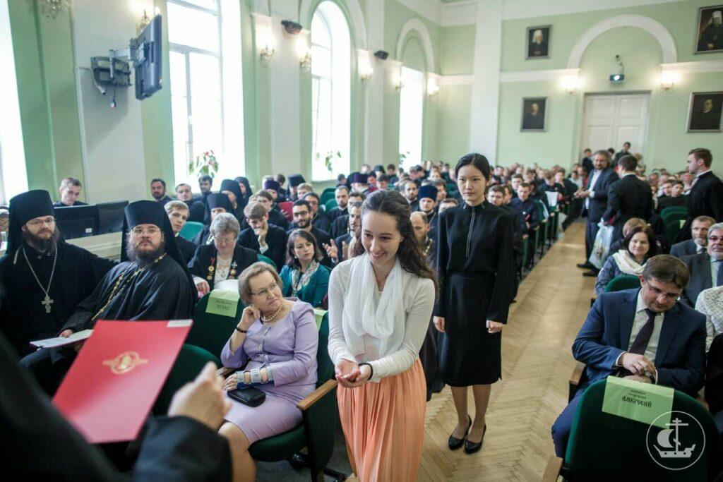 Весна Контић из Никшића ускоро ће започети школовање на Духовној академији у Санкт Петербургу 1