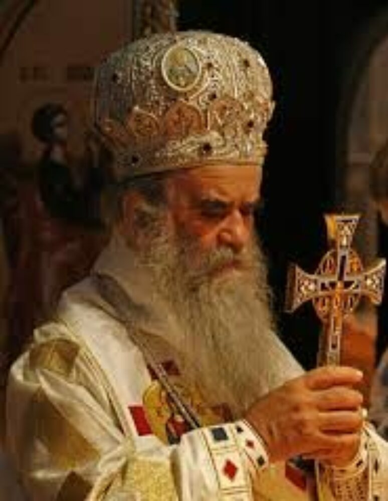 Митрополит Амфилохије служио је данас заупокојену литургију у манастиру Пресвете Богородице Тројеручице под Авалом