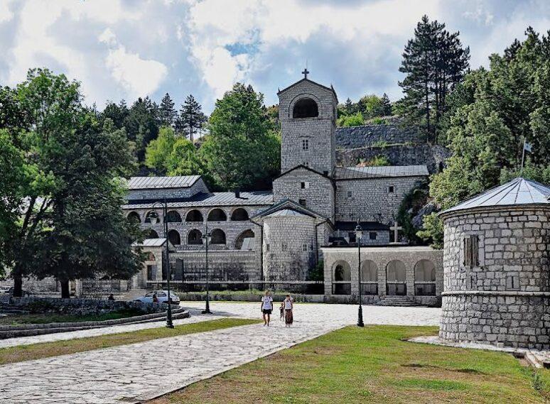 Otac Marko (Kalanj) o tri hrišćanske svetinje u Cetinjskom manstiru