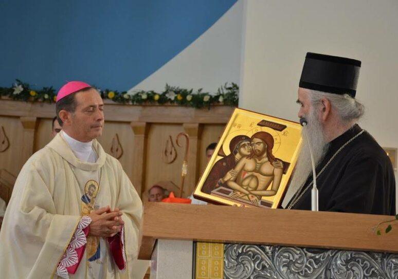 Митрополит Амфилохије присуствовао освећењу римокатоличког храма у Бару