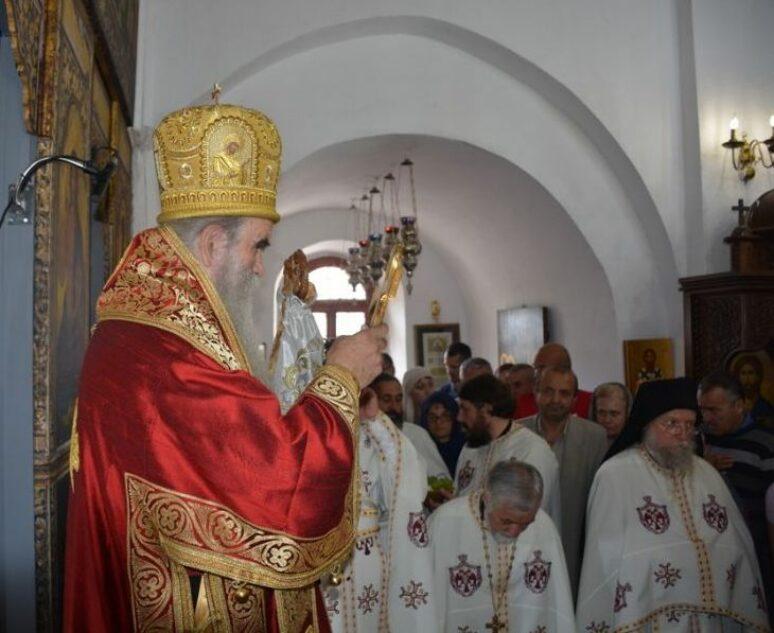 Митрополит Амфилохије на Усјековање Светог Јована служио Литургију у Цетињском манастиру