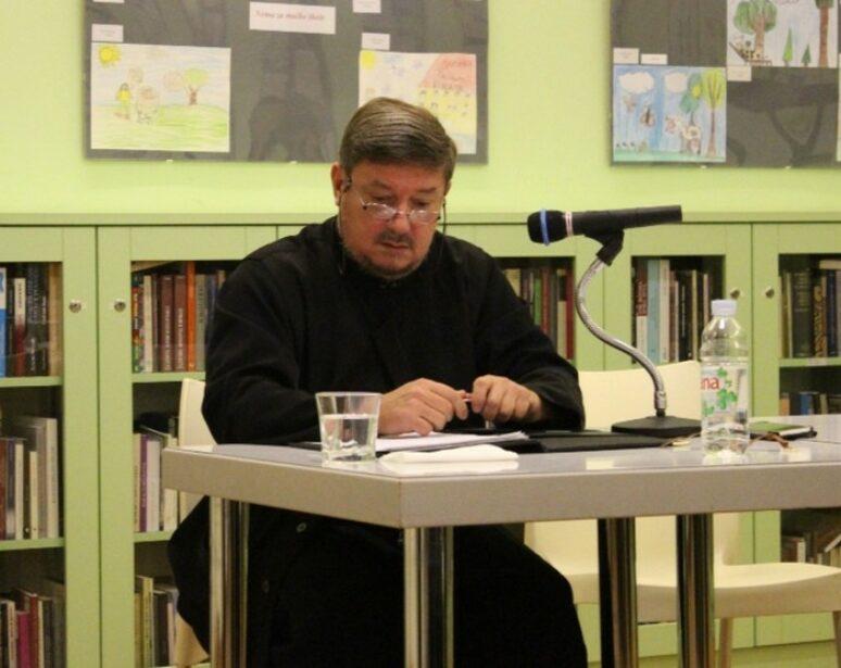 Отац Зоран Крстић