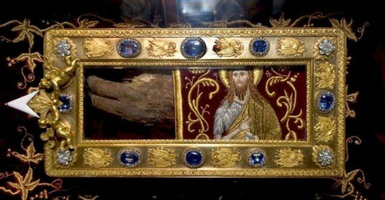 Proslava prenošenja tri svehrišćanske svetinje na Cetinje