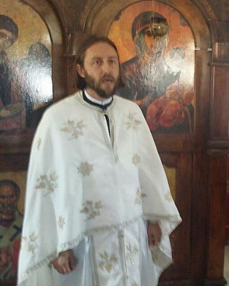 Отац Миомир Вулевић