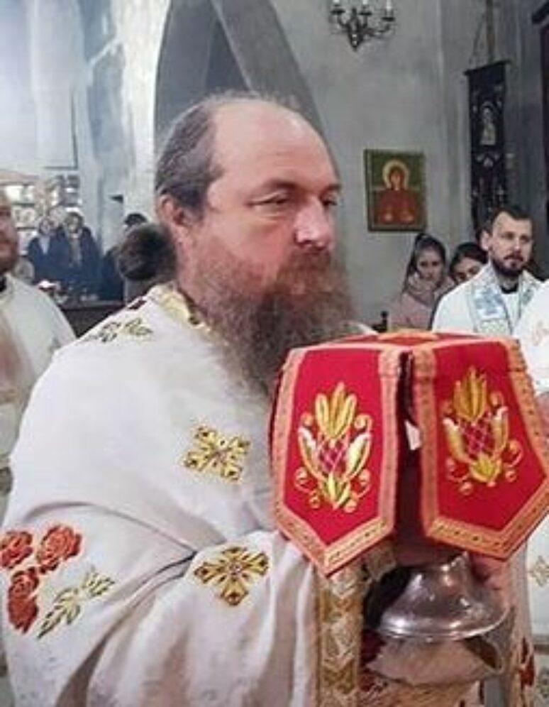 Отац Драган Ристић