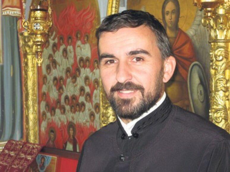 Otac Nikola Pejovic