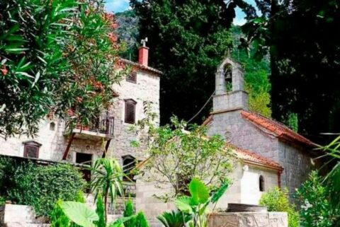 Manastir Duga