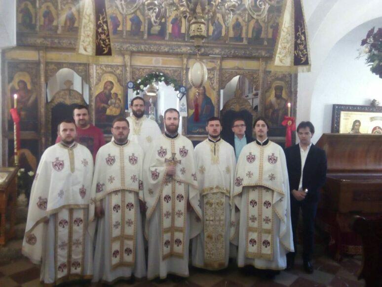 10 godina mature Xiii generacije obnovljene Cetinjske bogoslovije (2004 2008)