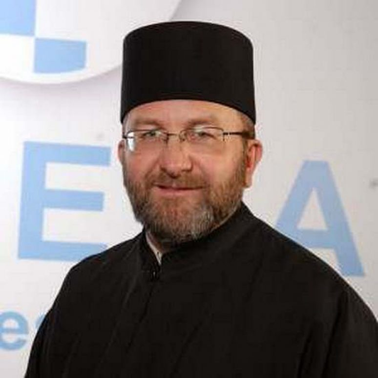 Otac Zeljko Latinovic