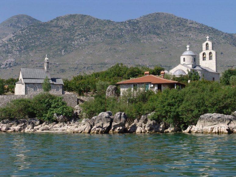 Manastir Beska1