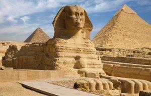 Piramide I Sfinge