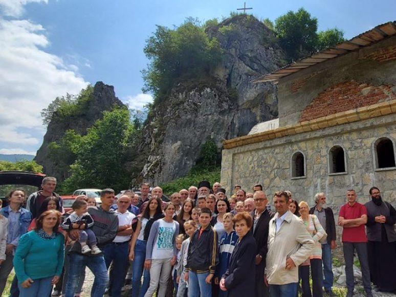Jul 201 Arhijerejska Liturgija U Namastiru