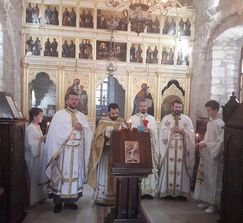 Власка црква Отац Игор