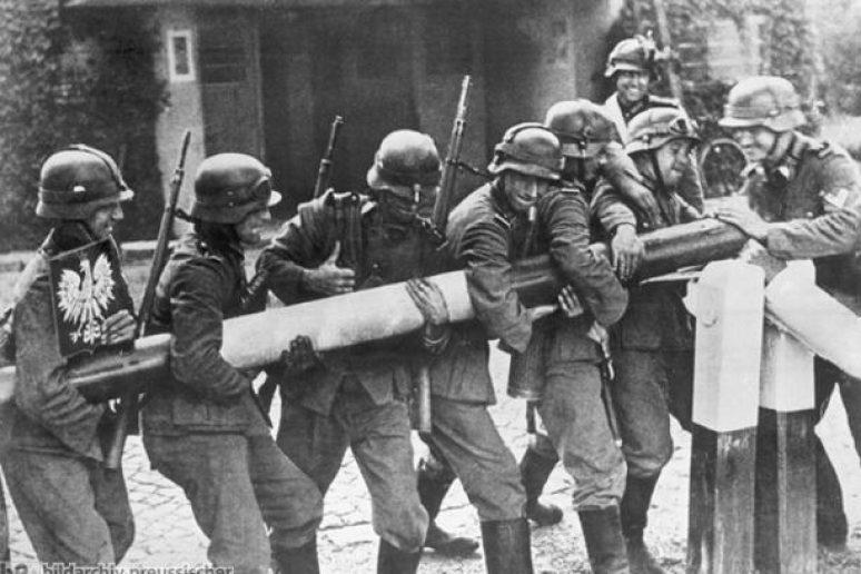 Napad Na Poljsku