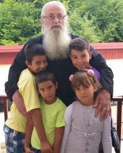 Отац Јоил и дјеца