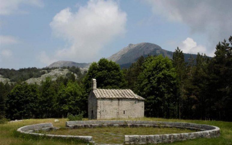 Hram Ivanova Korita