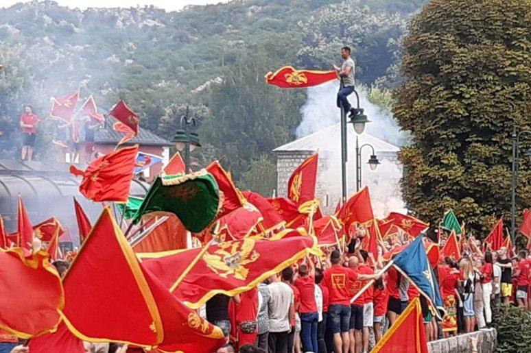 Skup Ispred Cetinjskog Manastira