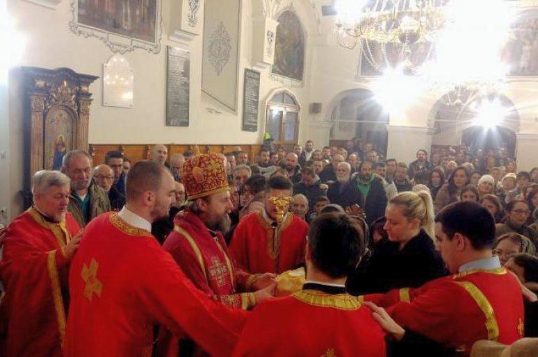 Епископ Стефан богослужио у Николајевској цркви у Земуну