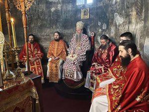Dec 13 2020 Arhijerejska Liturgija U Djurdjevim Stupovima 4