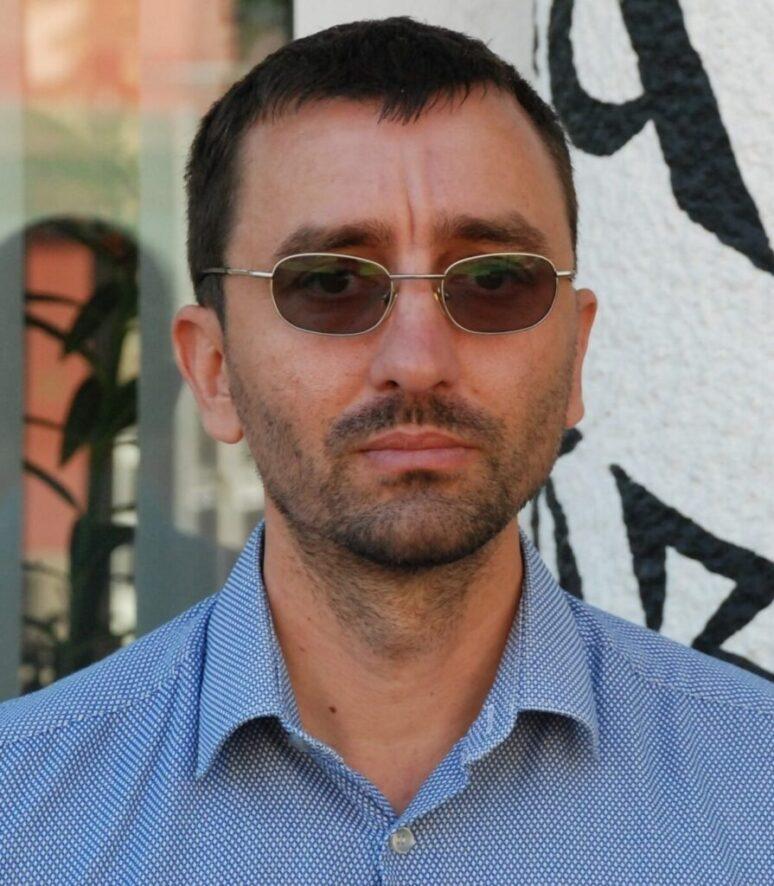 Dragan Markovic Pesnik Foto Scaled