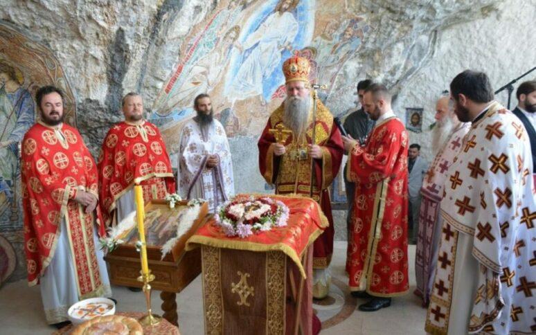 Крстовдан у Горњем Острогу, богослужио Митрополит Јоаникије