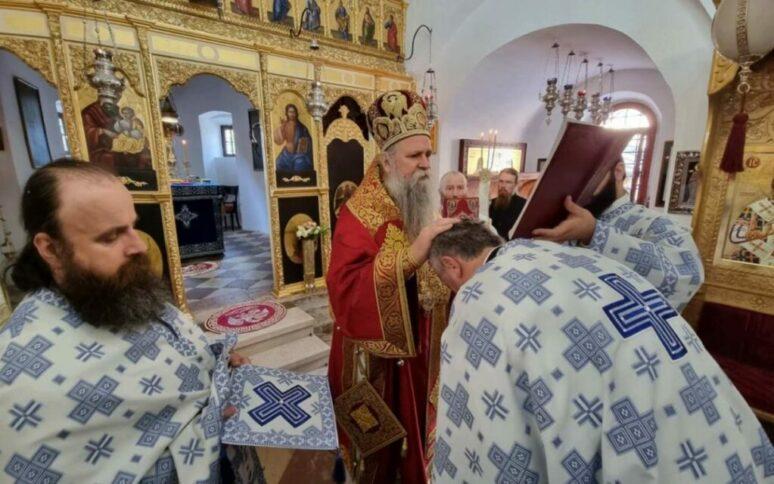 Митрополит Јоаникије богослужио у Цетињском манастиру