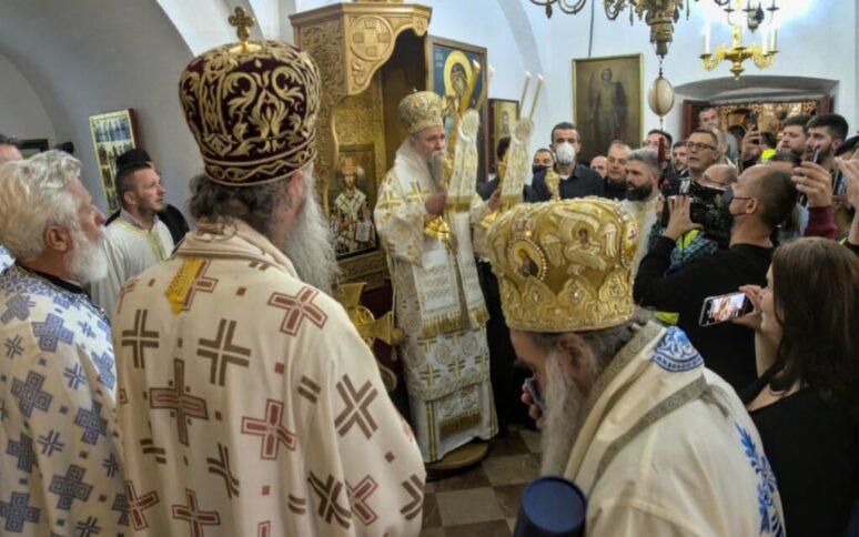 Митрополит Јоаникије свечано устоличен на Цетињу